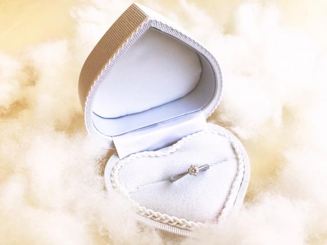 40代に人気の結婚指輪のブランドやデザインは?