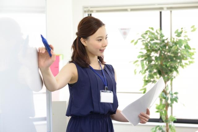 職場への結婚報告のタイミングは?伝える順番や伝え方は?