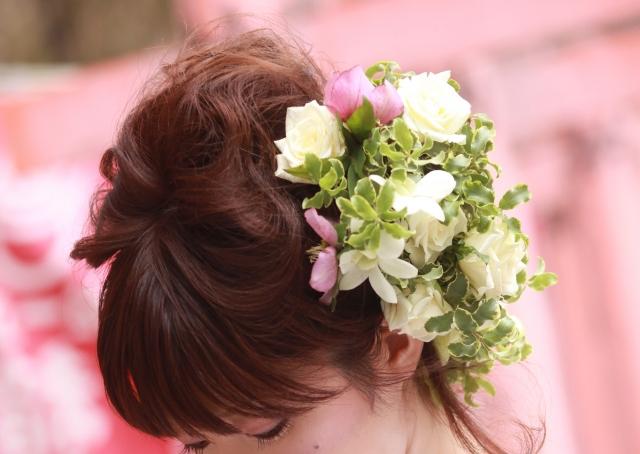 ウエディングドレスと似合う花嫁の髪形は?人気なのは?