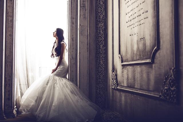 結婚式で流したい!人気のウェディングソング10選!