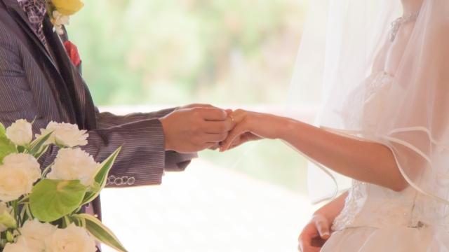 結婚指輪(マリッジリング) 婚約指輪(エンゲージリング) 違い