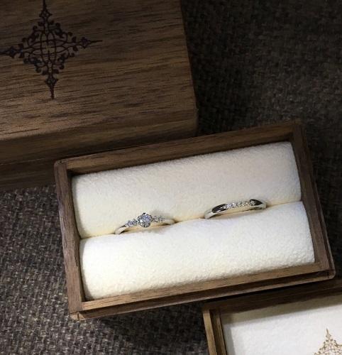 結婚指輪はなぜ左手の薬指につける?その理由をご紹介!